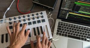 Connect MIDI Keyboard to MAC